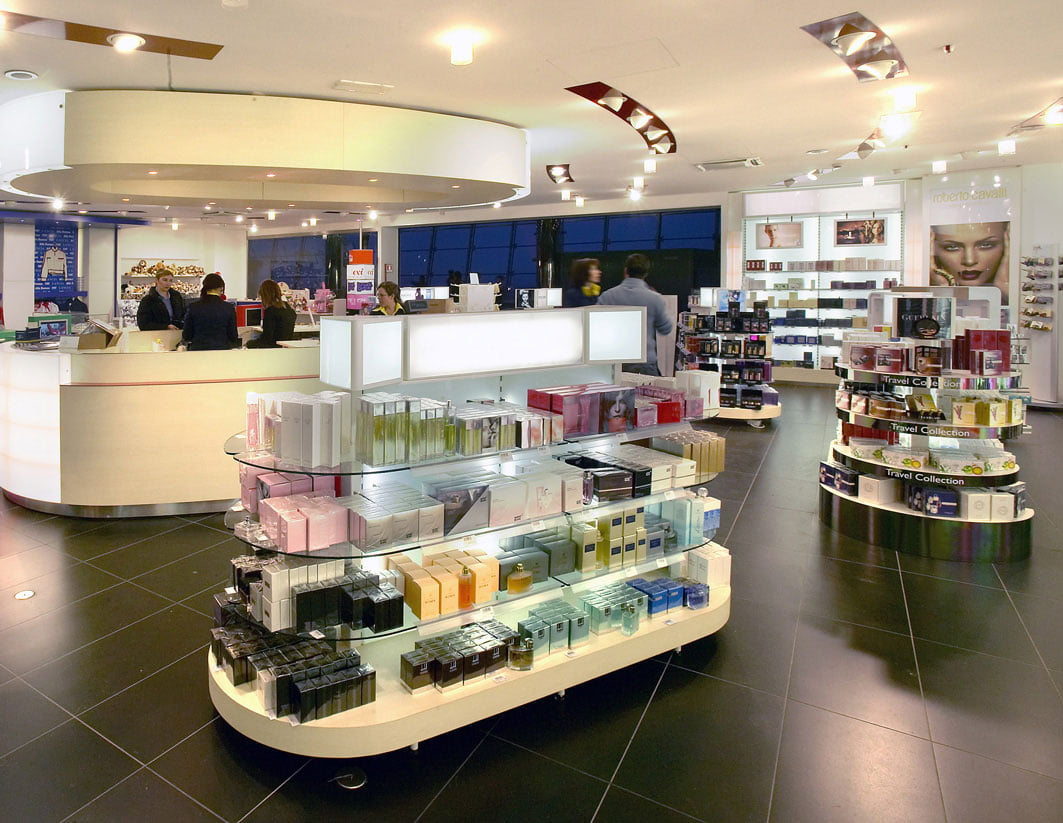 Advanced Display Systems   Shop fitting
