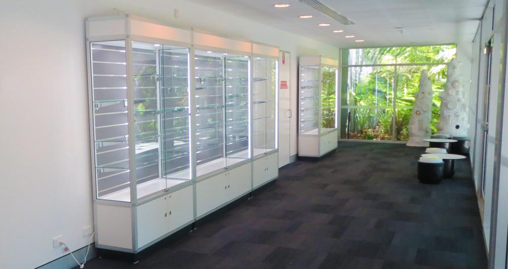 Advanced Display Systems | Custom Showcases